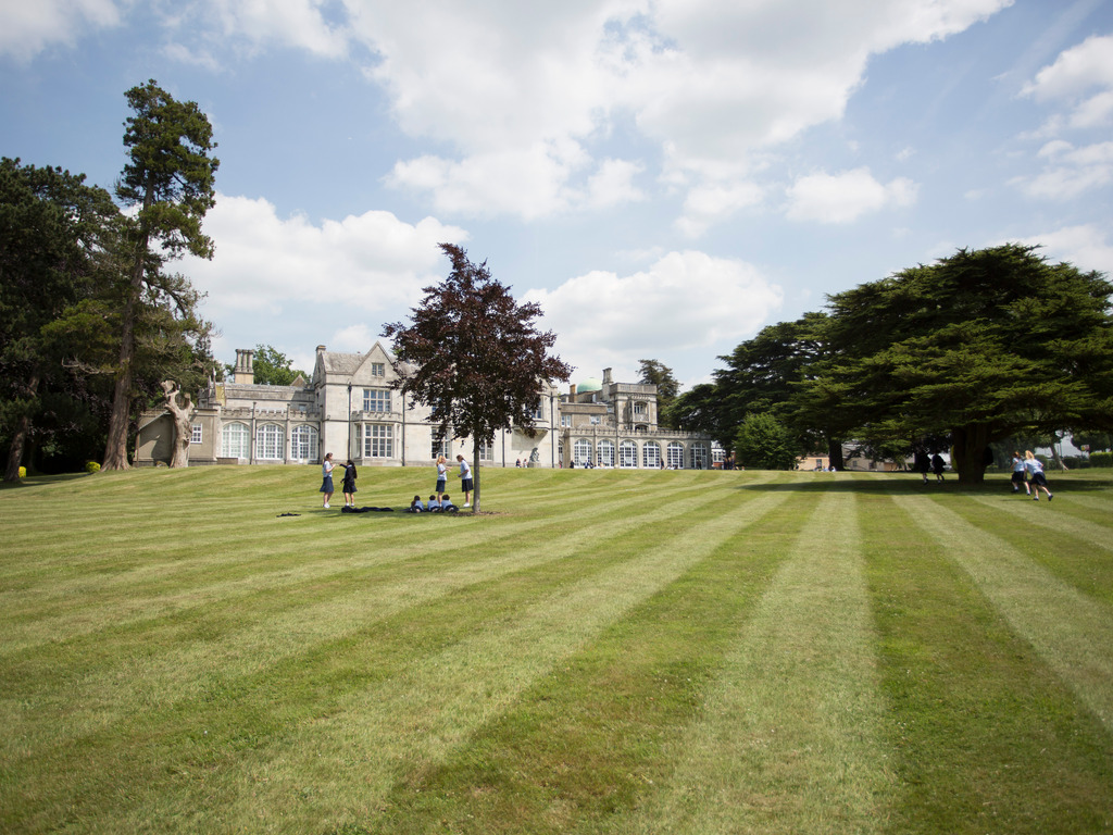 Abbot's Hill School 'Exceptional' says prestigious Good Schools Guide