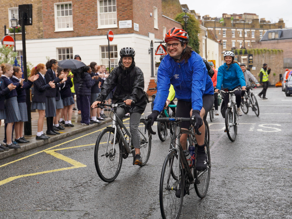 Epic 80km cycle to school by FHS Teacher kicks off Walk to School Week