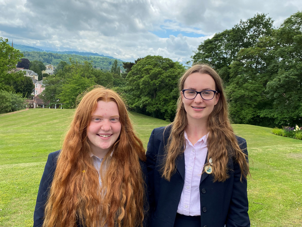 Budding scientists Amber Kitcher (left) and Isobella Laws.