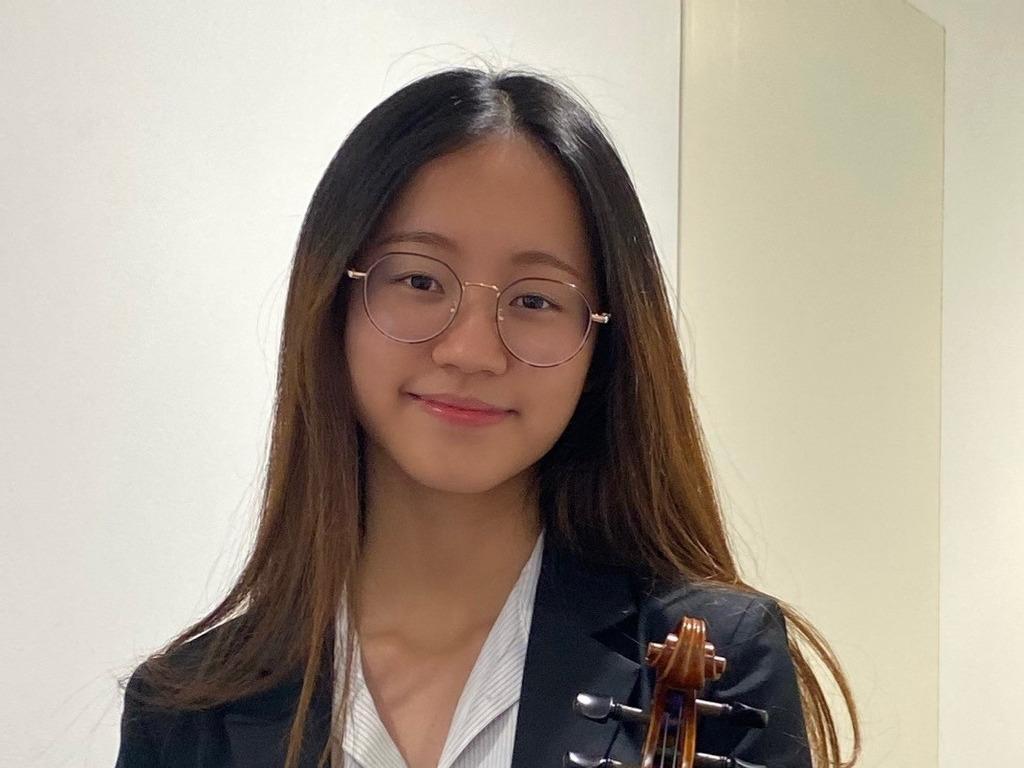 Talented musician gains prestigious Diploma in Violin Performance