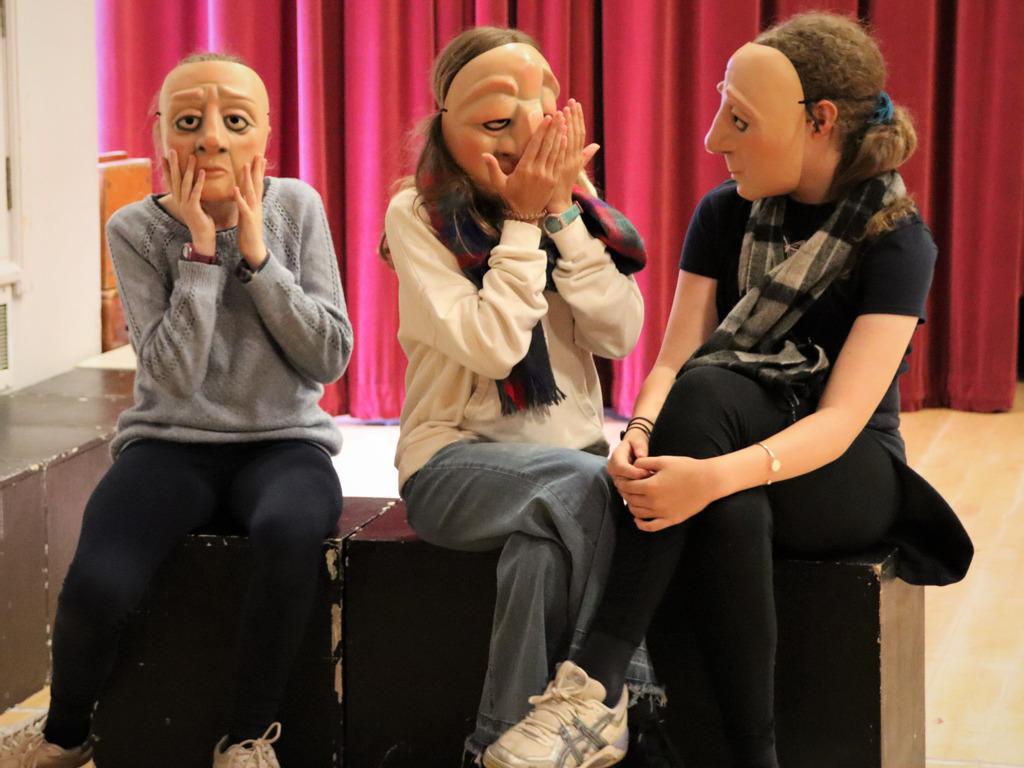 Malvern St James Girls' School form partnership with Vamos Theatre Company