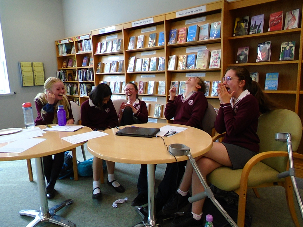 St Helen and St Katharine win Regional Heat of National Reading Champions Quiz